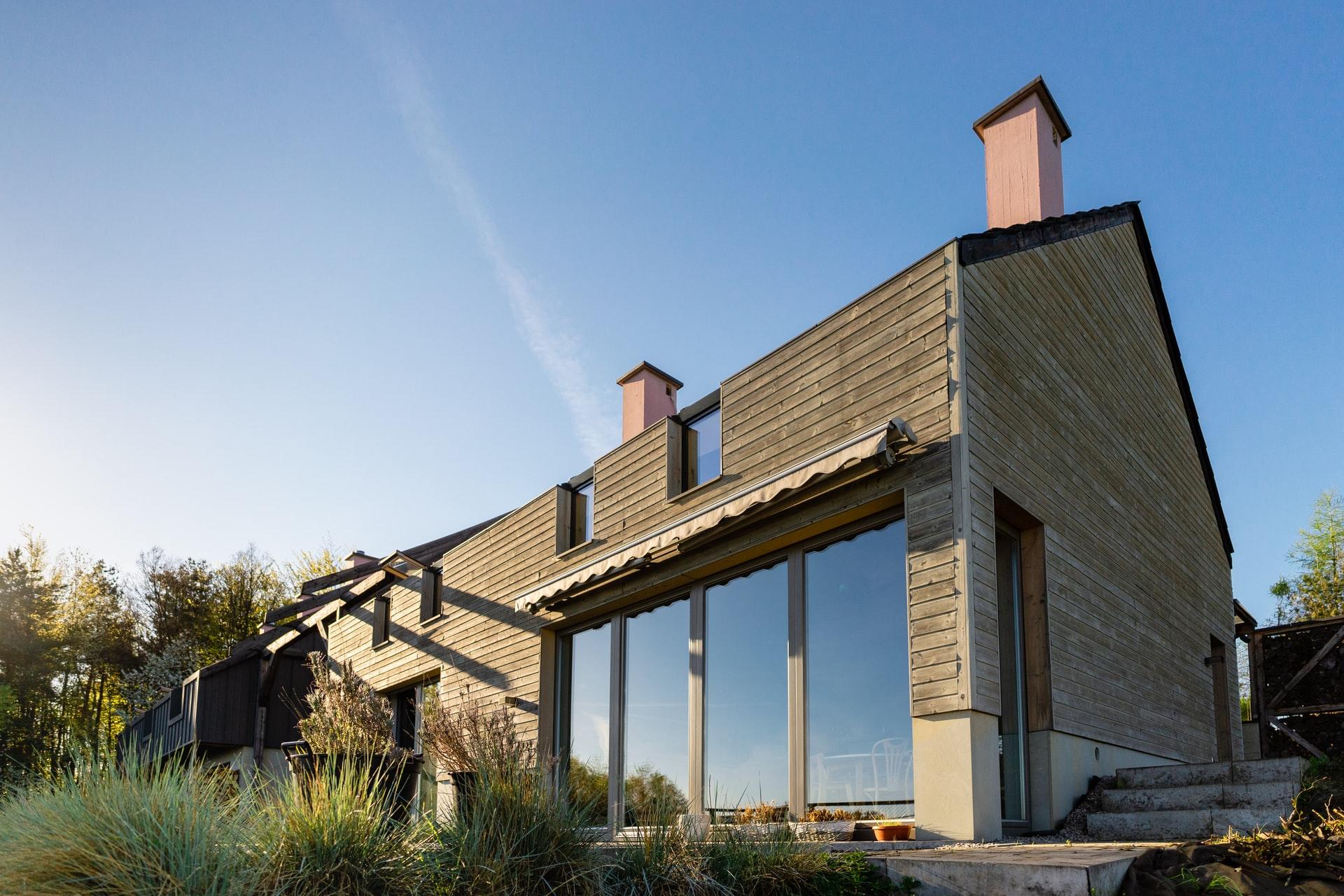 Haus mit Fassadenholz